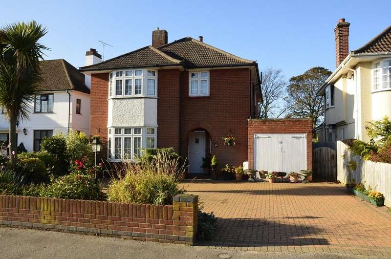 4 Bedrooms Detached House for sale in Lansdowne Road, Felixstowe