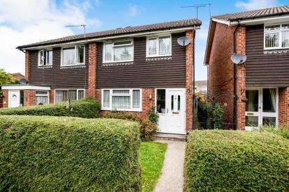 3 Bedrooms Semi Detached House for sale in Denmead, Waterlooville, Hampshire