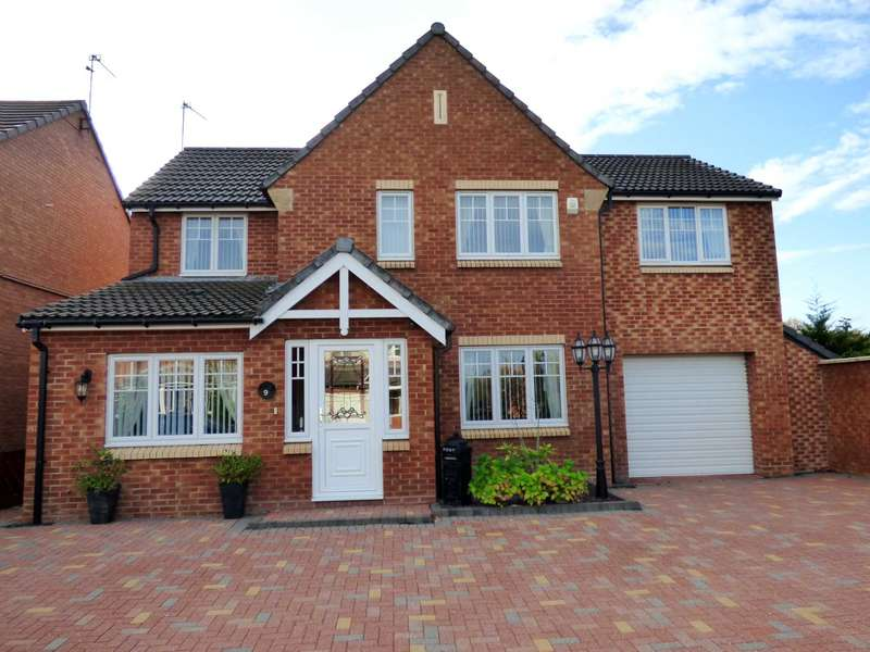 4 Bedrooms Detached House for sale in Trevose Close, Redcar