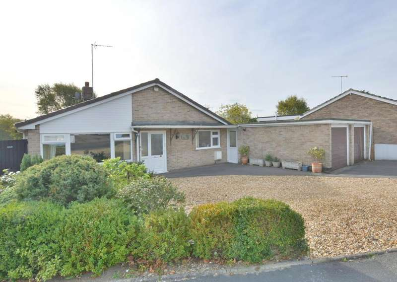 3 Bedrooms Detached Bungalow for sale in Bader Road, Canford Heath, Poole, BH17 8PN