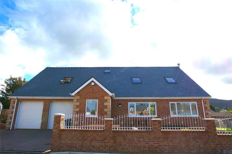 4 Bedrooms Detached Bungalow for sale in CA25 5DQ Eleanors Way, Cleator Moor, Cumbria