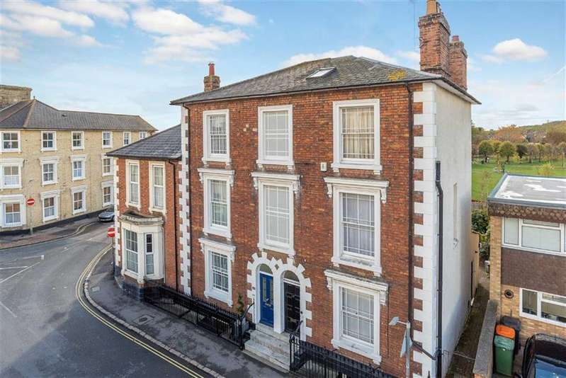 4 Bedrooms Terraced House for sale in New Road, Linslade, Leighton Buzzard