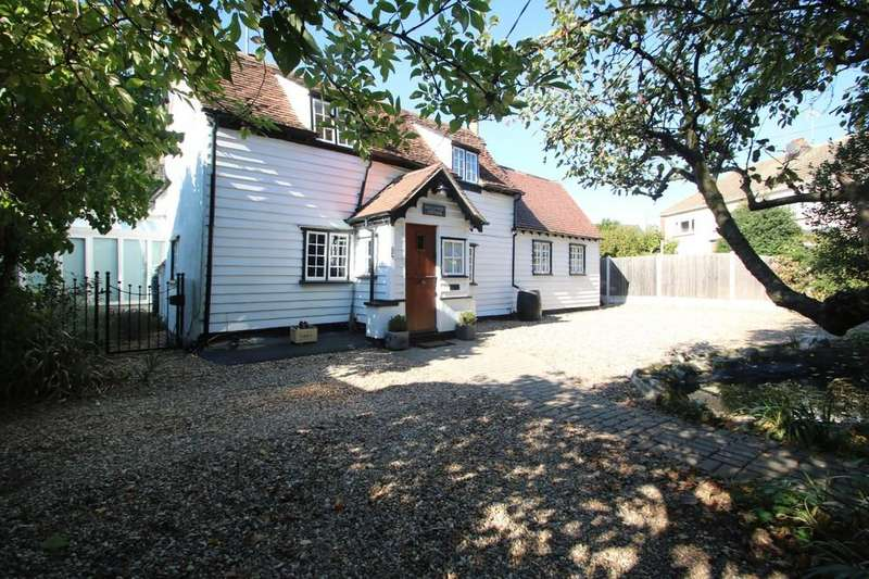 4 Bedrooms Cottage House for sale in Main Road, Hawkwell