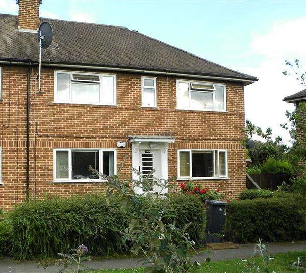2 Bedrooms Maisonette Flat for sale in Chalvey Gardens, Slough