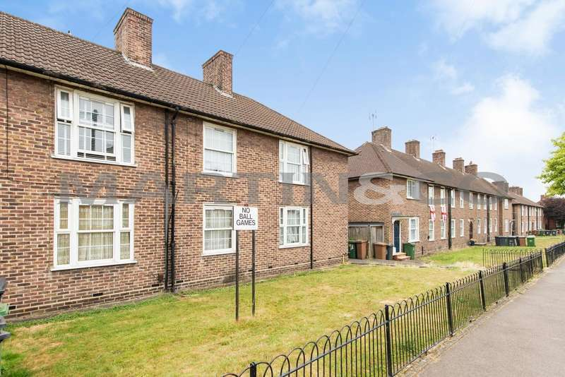 1 Bedroom Property for sale in Bluehouse Road, Chingford, London E4