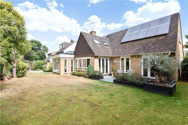 5 Bedrooms Detached House for sale in Buccleuch Road, Datchet