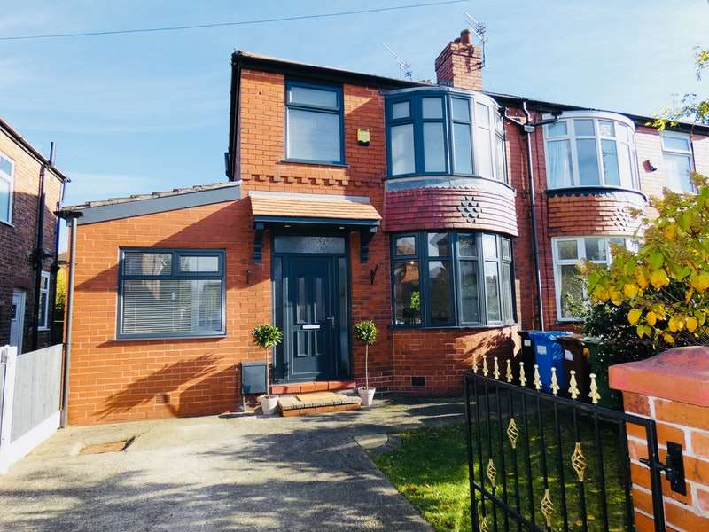 3 Bedrooms Semi Detached House for sale in Bower Avenue, Heaton Norris, Stockport, Greater Manchester, SK4