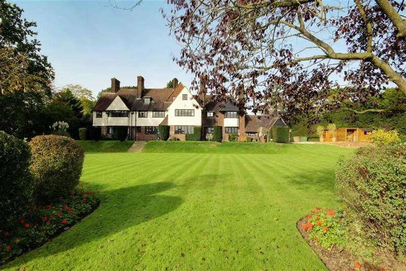 7 Bedrooms House for sale in Yewlands, Hoddesdon, Hertfordshire