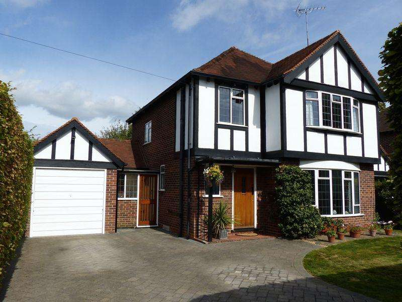 3 Bedrooms Detached House for sale in Cookham Village