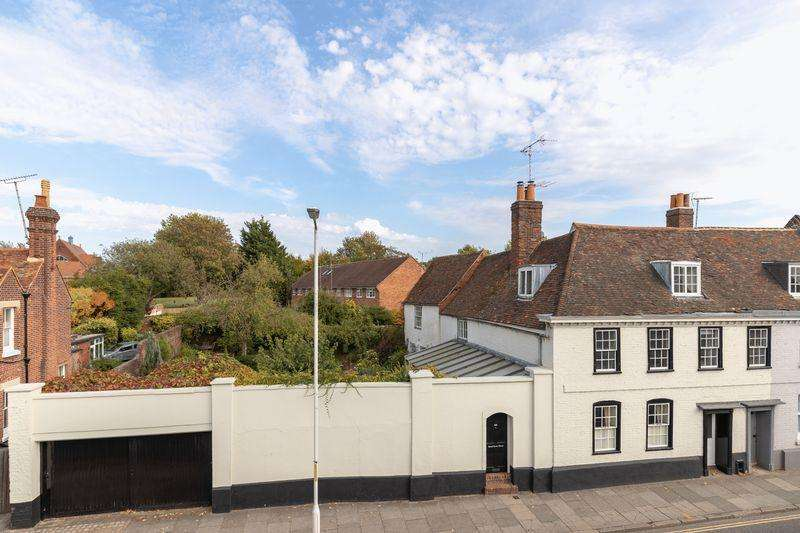 6 Bedrooms Semi Detached House for sale in Canterbury