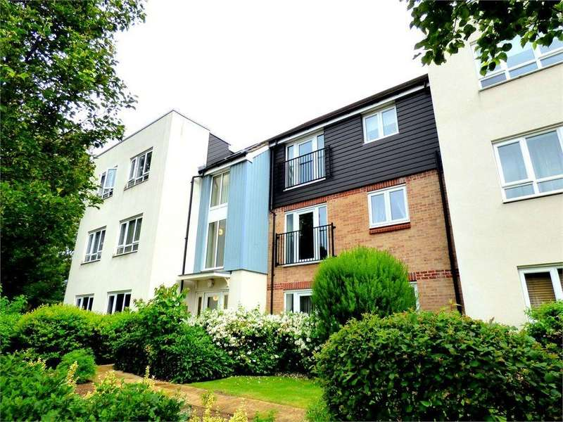 2 Bedrooms Flat for sale in Thornhill Court, Langley, Berkshire