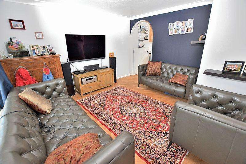 3 Bedrooms Terraced House for sale in Ridgeway, Kensworth