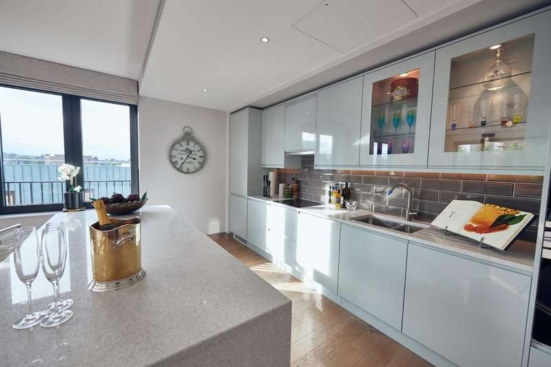 3 Bedrooms Apartment Flat for sale in Gowing House, 4 Drapers Yard