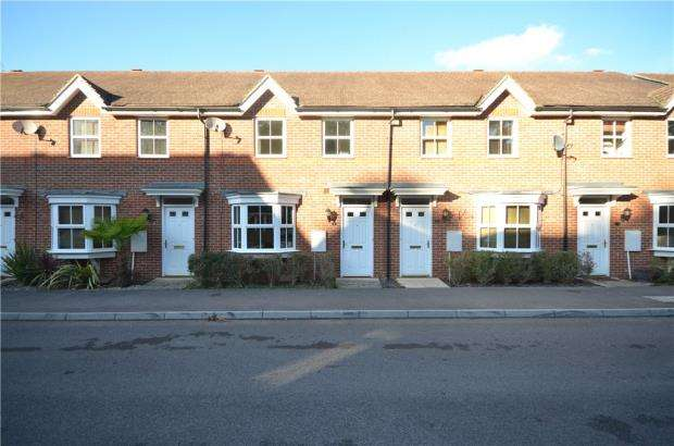 3 Bedrooms Terraced House for sale in King John Street, Fleet, Hampshire