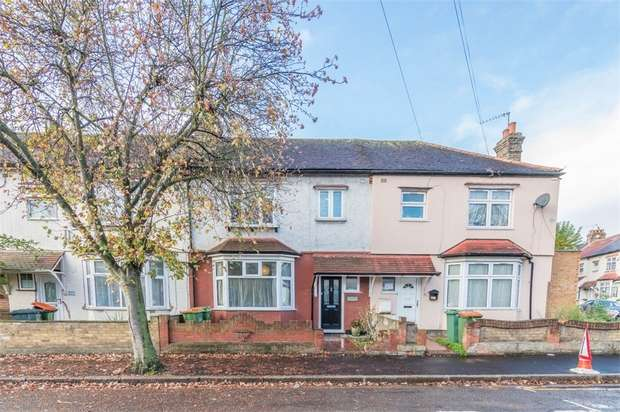 3 Bedrooms Terraced House for sale in Burges Road, Eastham, London