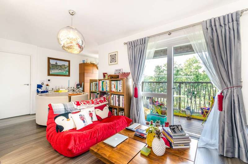 2 Bedrooms Flat for sale in Adenmore Road, Catford, SE6