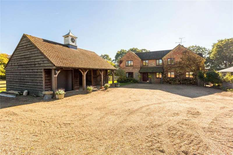 4 Bedrooms Detached House for sale in Chinnor Hill, Chinnor, Oxfordshire, OX39
