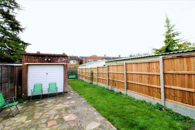 2 Bedrooms Semi Detached House for sale in Extended Two Bedroom Semi Detached on Fourth Avenue, Luton
