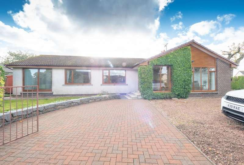 4 Bedrooms Detached House for sale in Crown Alley, Laurencekirk