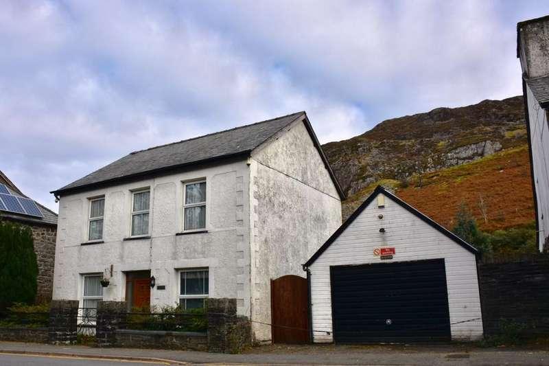 4 Bedrooms Detached House for sale in Bod Eirwen, Manod Road, Blaenau Ffestiniog, LL41 4AF