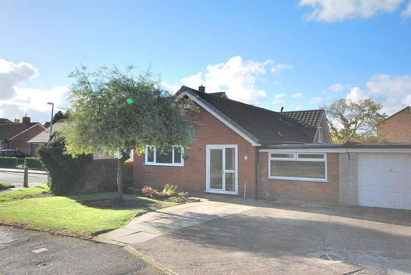 3 Bedrooms Link Detached House for sale in Wyre Drive, Boothstown, Manchester