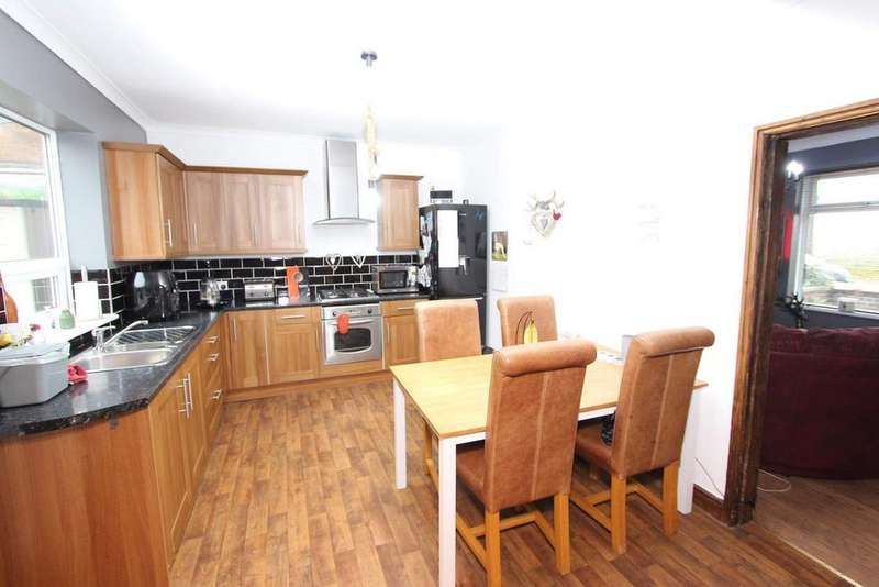 3 Bedrooms Terraced House for sale in Summit Street, Heywood, Rochdale