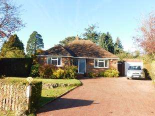 3 Bedrooms Bungalow for sale in Manor Rise, Bearsted, Maidstone, Kent