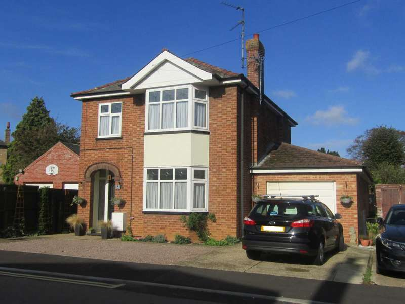 3 Bedrooms Detached House for sale in Newlands Avenue, March