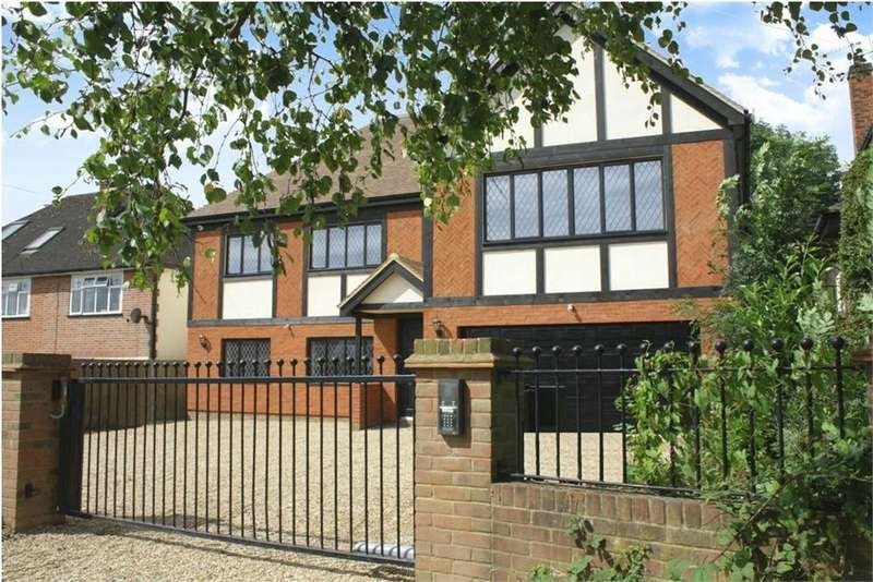 5 Bedrooms Detached House for sale in MYMMS DRIVE, BROOKMANS PARK