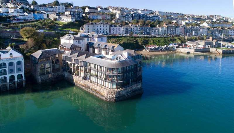 3 Bedrooms Apartment Flat for sale in The Packet Quays, Falmouth, Cornwall, TR11