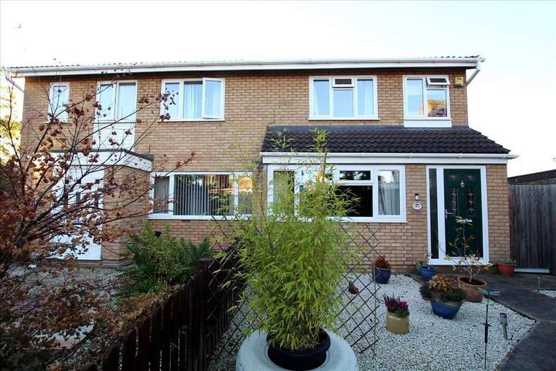 3 Bedrooms Semi Detached House for sale in Laburnum Road, Sandy, SG19