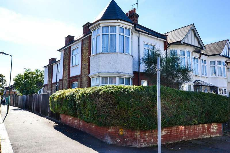 3 Bedrooms House for sale in Caddington Road, London, NW2 1RP