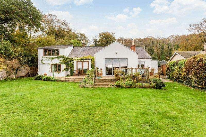4 Bedrooms Detached House for sale in Cranham, Gloucester
