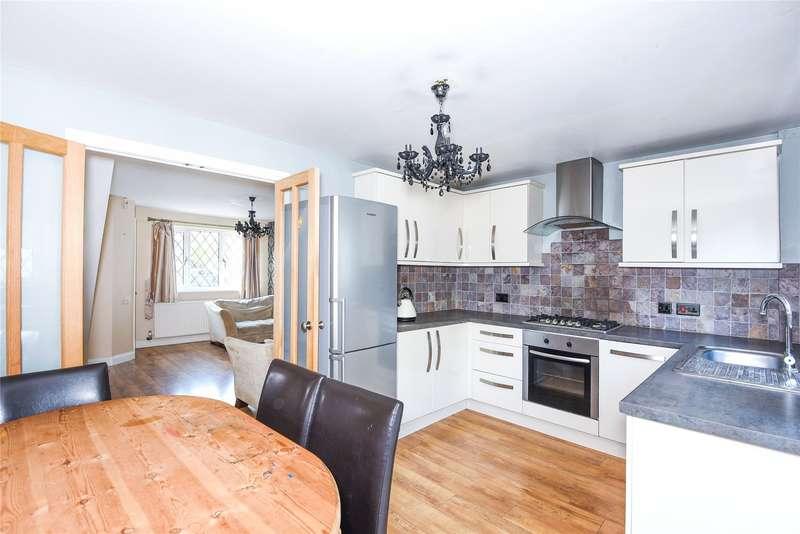 3 Bedrooms Semi Detached House for rent in Laburnum Road, Winnersh, Berkshire, RG41