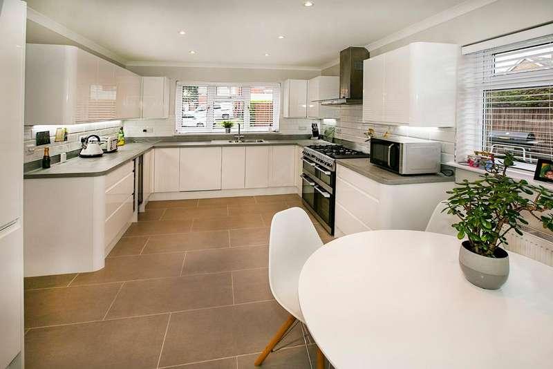4 Bedrooms Semi Detached House for sale in Appletree Lane, Spencers Wood, Reading, RG7 1EE