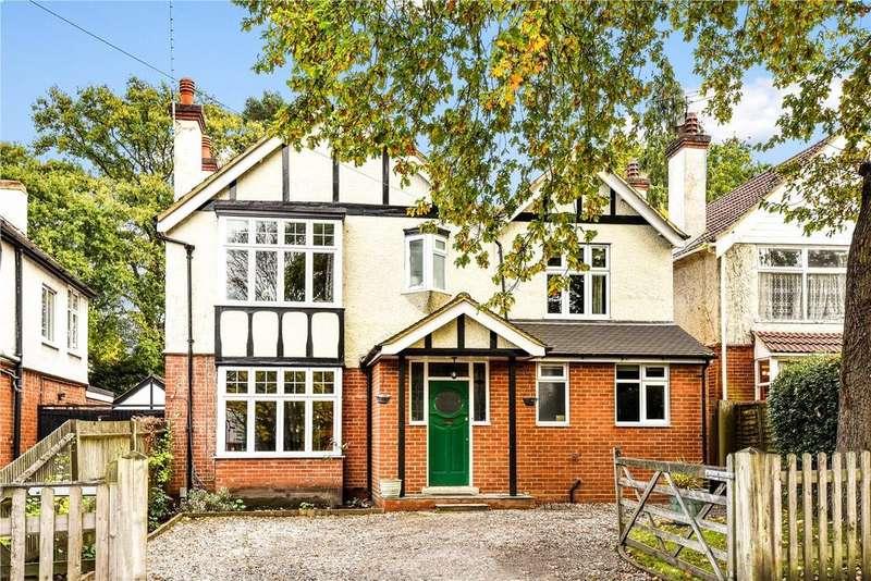 5 Bedrooms Detached House for sale in Old Farnborough Road, Farnborough , Hampshire, GU14