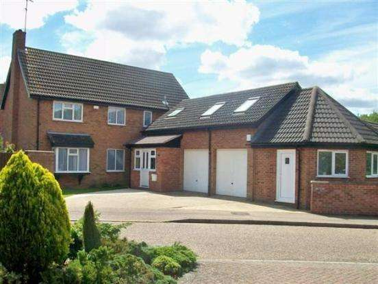 4 Bedrooms Detached House for sale in Lakeside, Werrington, Peterborough, PE4