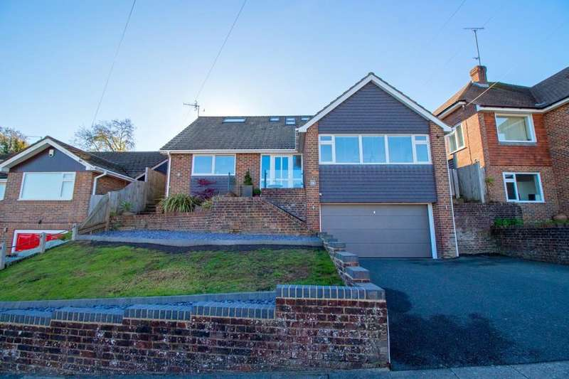 4 Bedrooms Detached House for sale in Hillside Way, Withdean