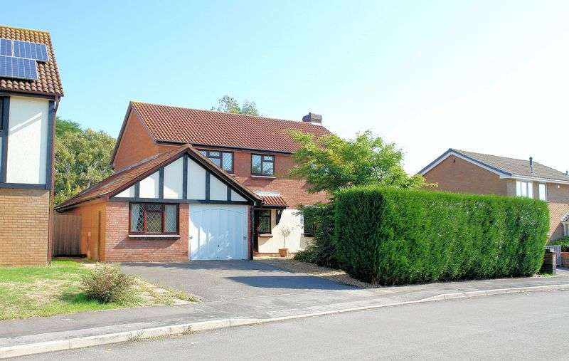 4 Bedrooms Property for sale in Oaksey Grove, Nailsea