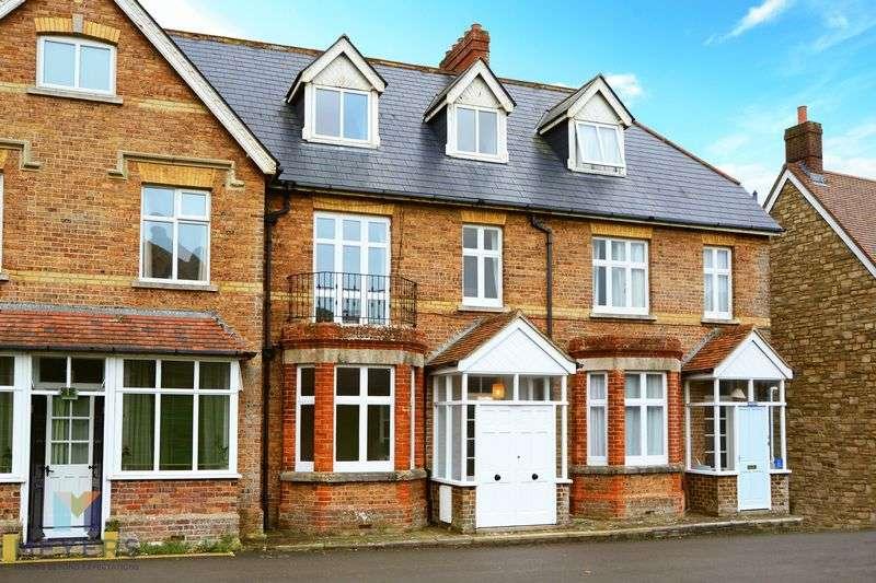 3 Bedrooms Property for sale in Main Road West Lulworth, Wareham