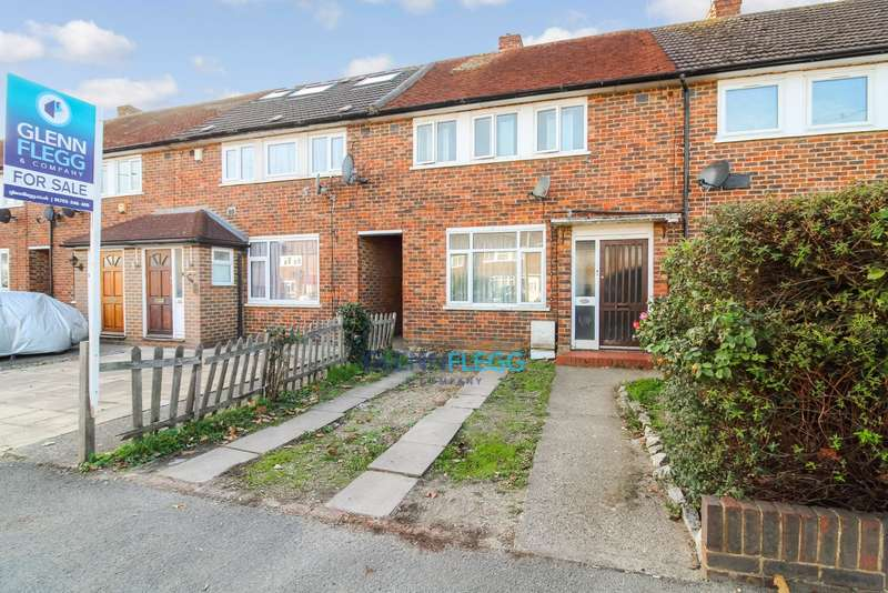 2 Bedrooms Terraced House for sale in Langley, Trelawney Avenue