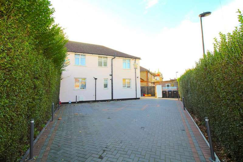 5 Bedrooms Semi Detached House for sale in Dunholme Lane, Edmonton, N9