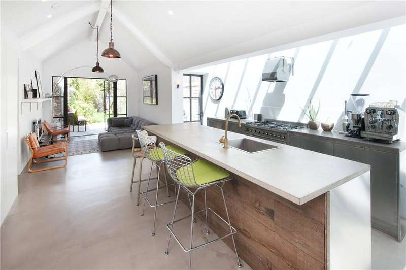 3 Bedrooms Town House for sale in High Street, Lewes, East Sussex