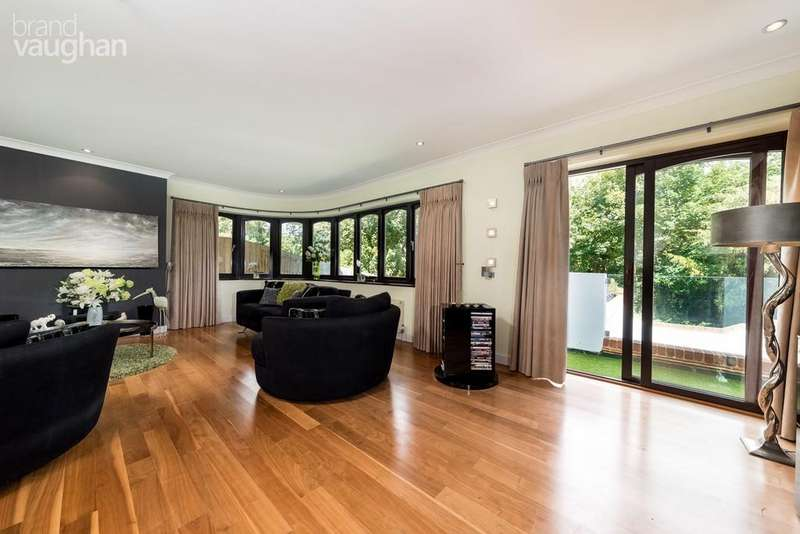 5 Bedrooms Detached House for sale in The Vale, Ovingdean, Brighton, BN2