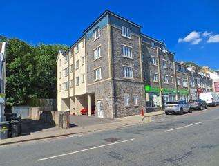 2 Bedrooms Flat for sale in Hawthorn House, Church Road, St George, BS5 8AA