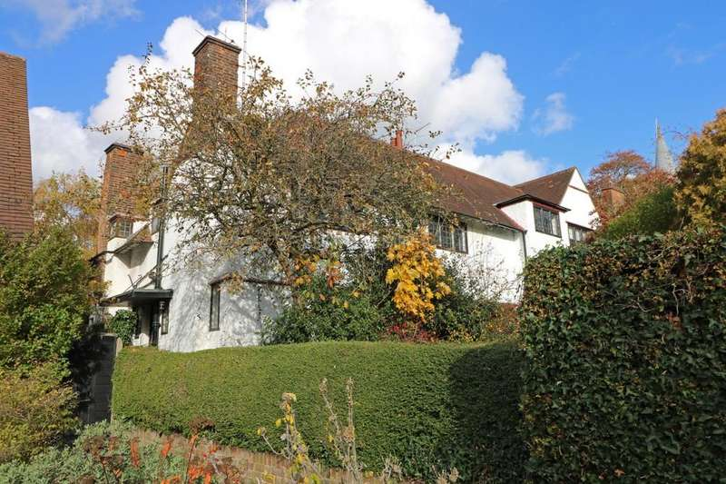 4 Bedrooms Semi Detached House for sale in Hill Close, Hampstead Garden Suburb