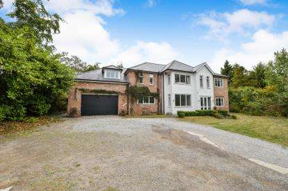 6 Bedrooms Detached House for sale in The Spital, Yarm