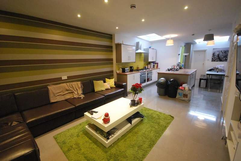 8 Bedrooms Terraced House for rent in Whitby Road, Fallowfield, Manchester, M14 6GH