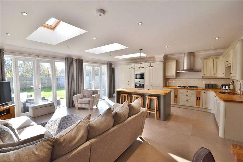 4 Bedrooms Semi Detached House for sale in Redwing Lane, Norton, Stockton On Tees