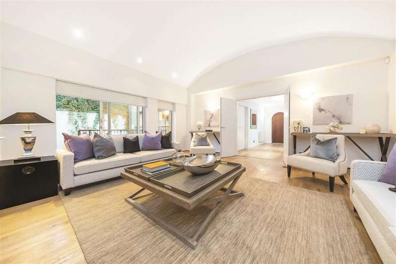4 Bedrooms Semi Detached House for sale in Warriner Gardens, SW11